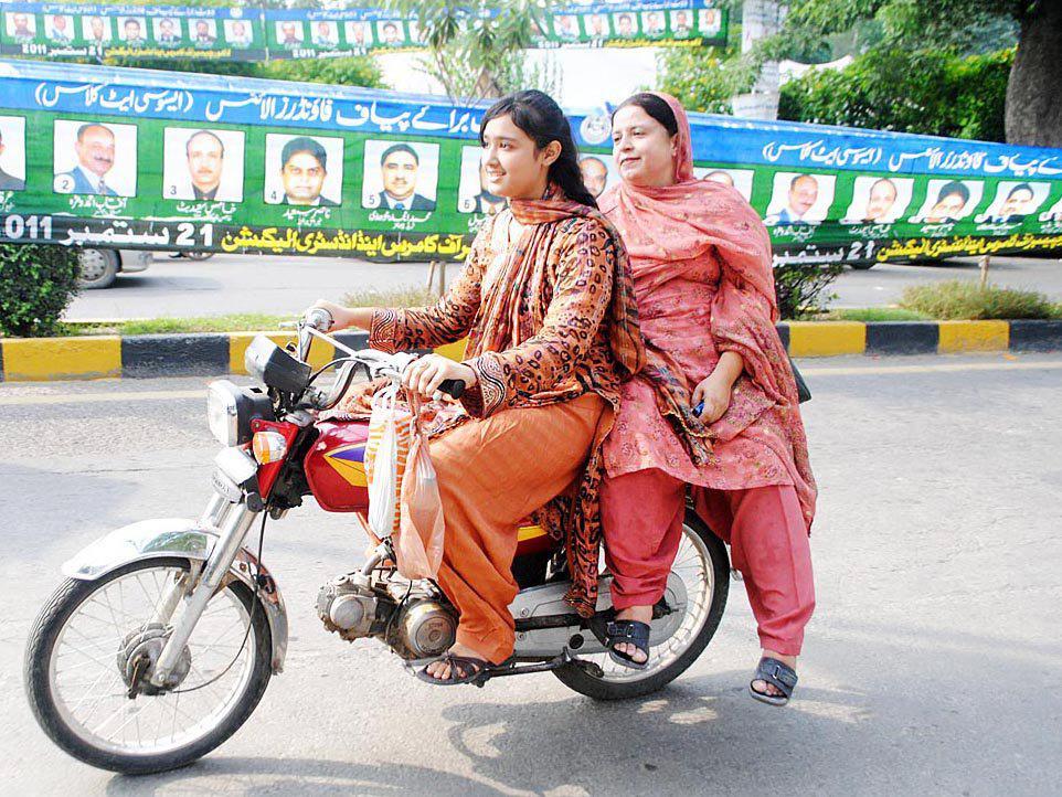 Pierwsze kursantki rozpoczęły naukę na motocyklowe prawo jazdy