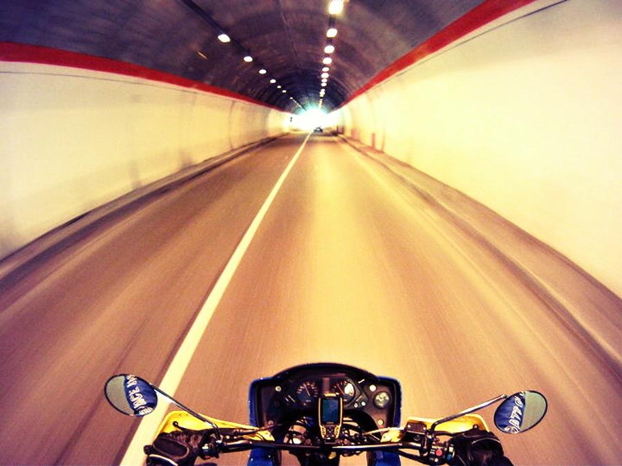 Nawigacja motocyklowa będzie działać nawet po wjeździe do tunelu