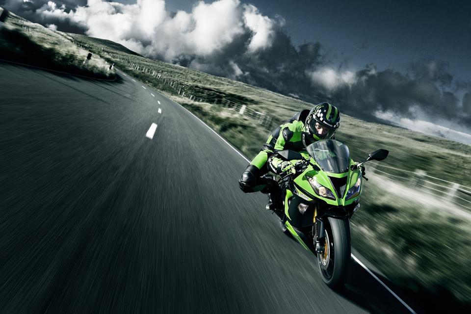Reklama Kawasaki Ninja ZX-6R 2013