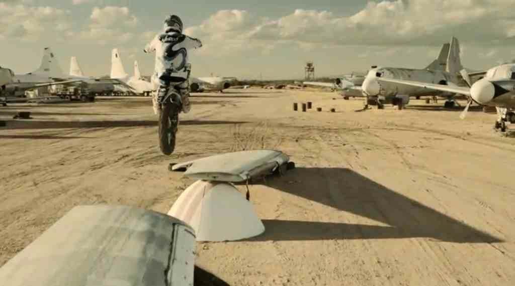 Robbie Maddison i cmentarzysko samolotów