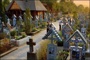 Rumuński cmentarz wygląda inaczej niż polski