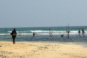 Rybacy na palach w pobliżu Galle, osobliwy sposób wędkowania