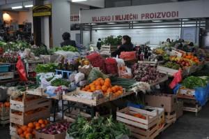 Kupuj lokalnie. Na zdjęciu – bazar w czarnogórskiej Budwie