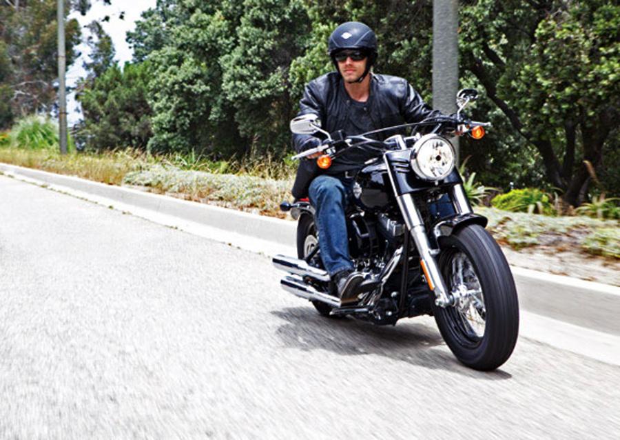 Harley Davidson Sprzedaje Sw 243 J Tor Do Test 243 W Motocykli Na