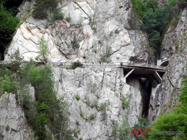 Na-Transfogaraskiej-znjaduje-się-pięć-tuneli