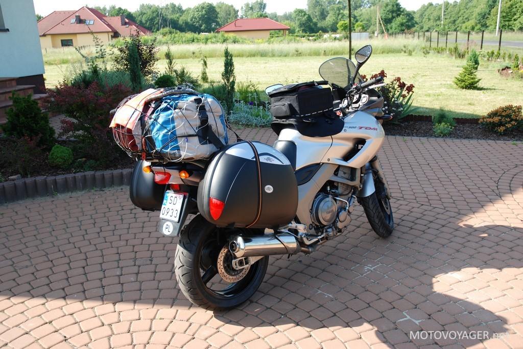 Na załadowanym motocyklu jest jeszcze dużo miejsca dla pasażerów