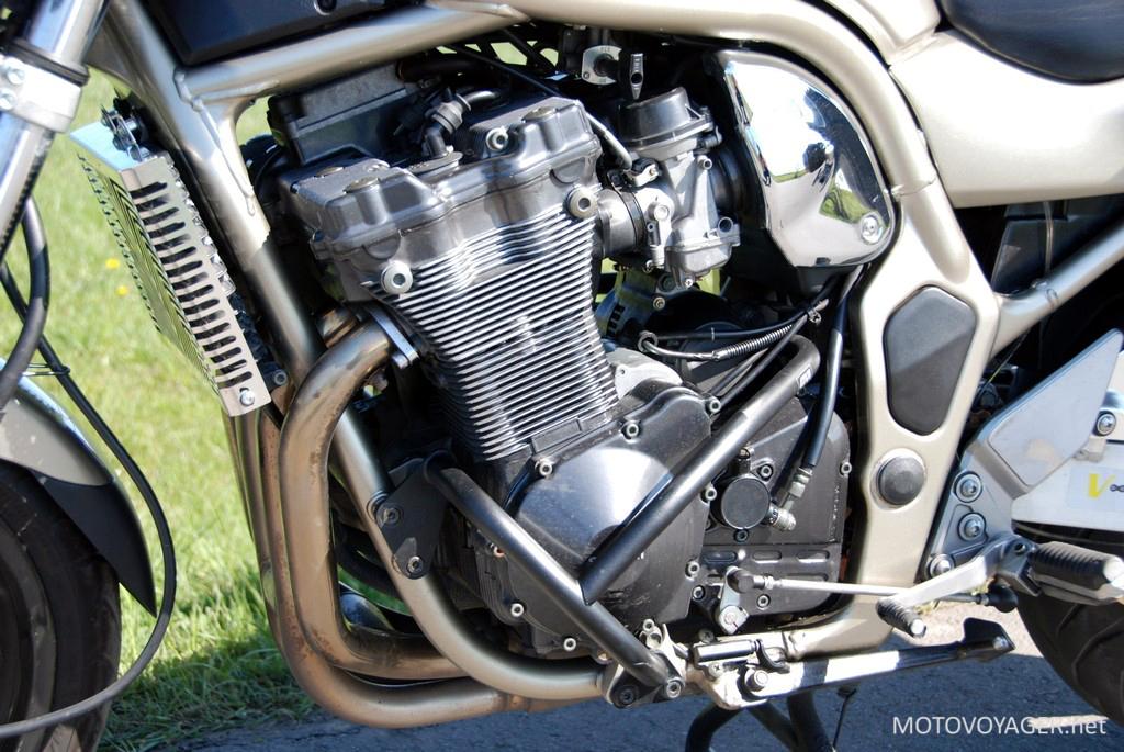 Silnik dużego Bandita jest najczęściej wykorzystywaną jednostką do stuntu. Świadczy to o jego wysokiej trwałości
