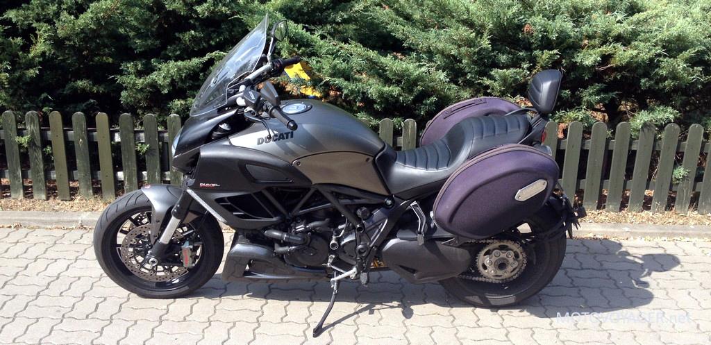 Ducati Diavel Strada. Turysta bez powodu