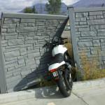 Jeśli nie chcesz zobaczyć swego motocykla w takiej sytuacji, nie pożyczaj go