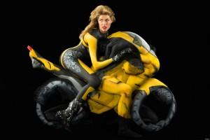 Motocykl z nagich ciał
