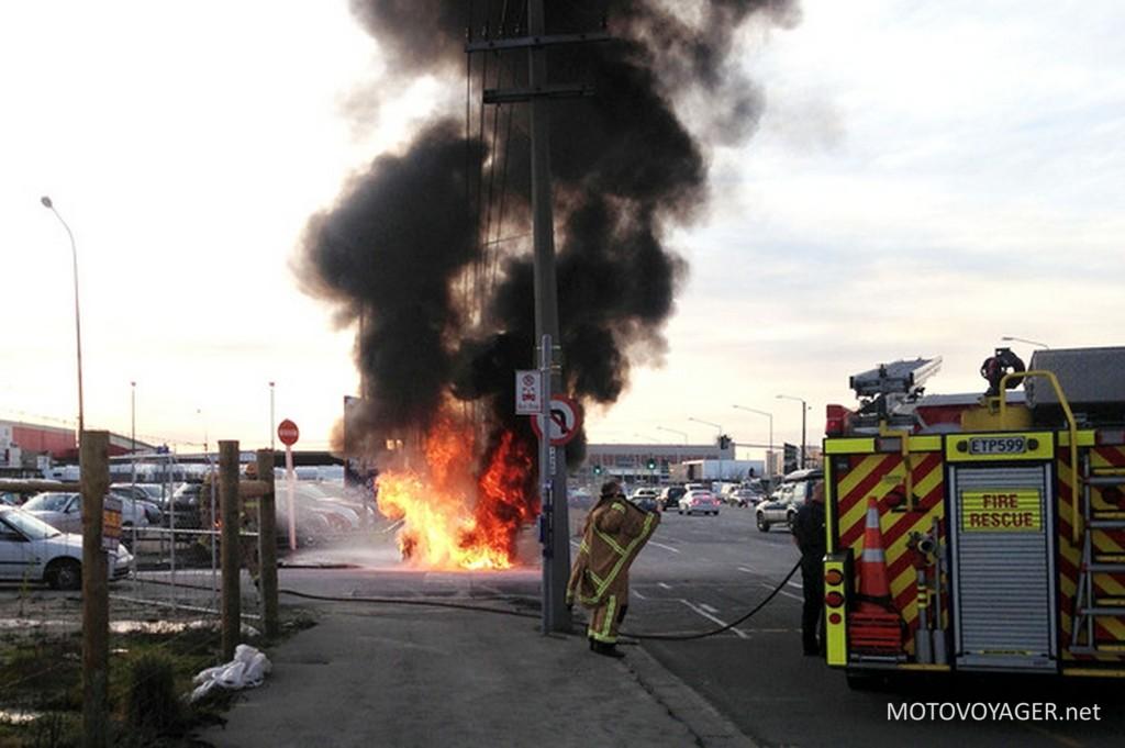 Płonie policyjne BMW R1200RT