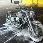 Dokładnie umyj motocykl