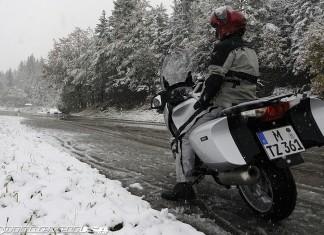jazda motocyklem jesienią