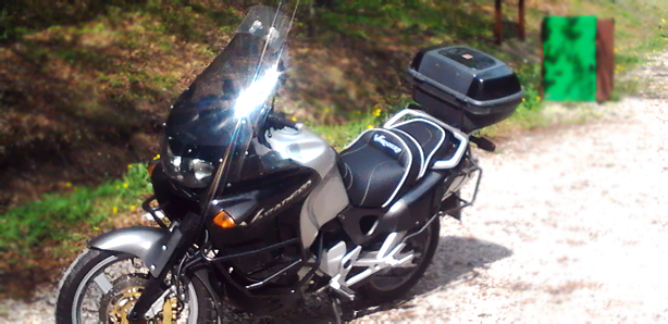obszycie kanapy motocyklowej