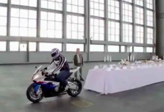 Obrus i motocykl