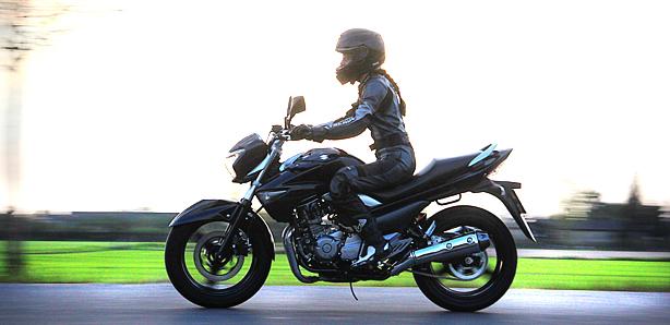 Suzuki Inazuma Wszechstronna Towarzyszka Bliskich Wyjazdow Test Motovoyager