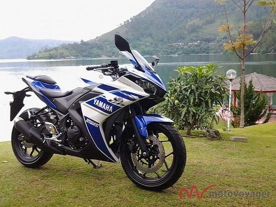Yamaha R25 (4)