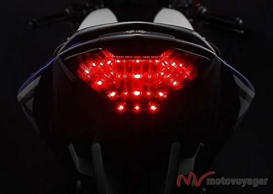 Yamaha R25 (7)