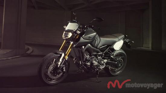 2014-Yamaha-MT09-Street-Tracker-EU-Matt-Grey-Static-006