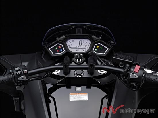 Honda NM4Vultus (7)