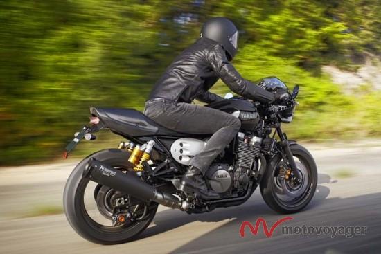 2015 Yamaha XJR1300 (12)