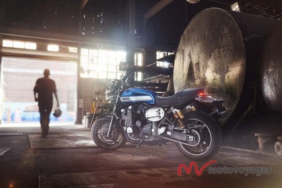 2015 Yamaha XJR1300 (2)