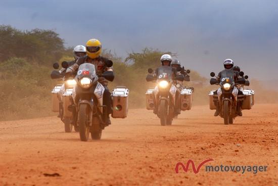 Doktorzy na motocyklach (6)