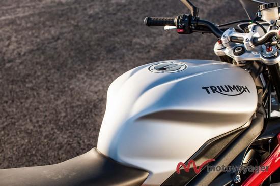 Triumph Street Triple RX (2)