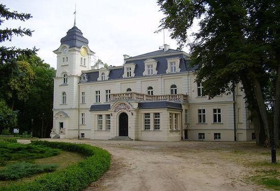 800px-Obrzycko_zamek
