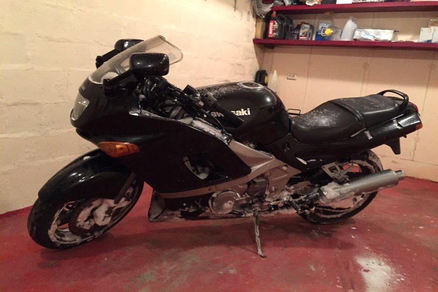 Kawasaki ZZR  w garażu pana Stanisława