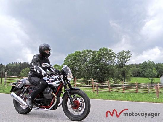 Moto Guzzi V7 Racer (16)