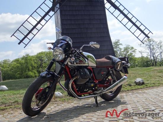Moto Guzzi V7 Racer (2)