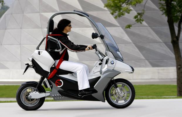 BMW C1. Protoplasta Lit Motors C1?