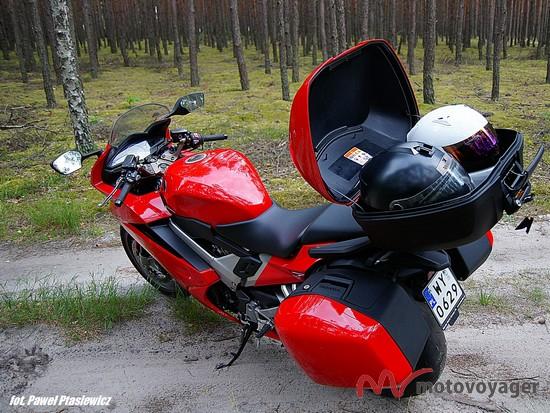 Honda VFR800F (9)