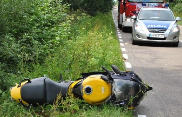 Zderzenie motocykla z bocianem