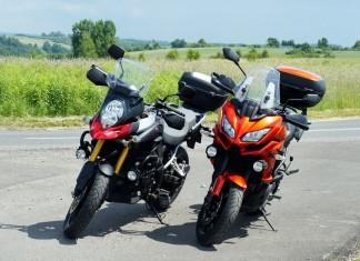 Małe enduro Suzuki i Kawasaki.