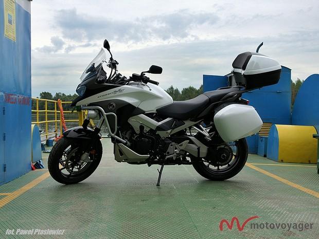 Honda VFR800X (16)