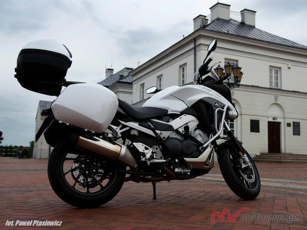 Honda VFR800X (5)