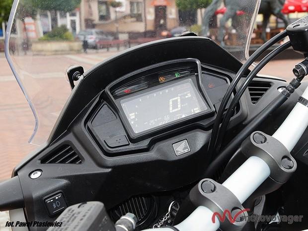 Honda VFR800X (6)