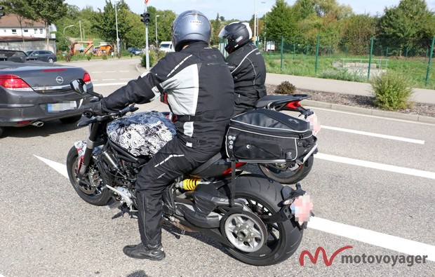 Ducati Diavel Cruiser (3)