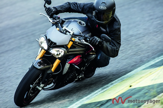 Triumph Speed Triple 2016(1)