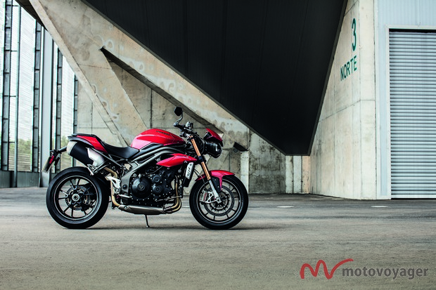 Triumph Speed Triple 2016(2)