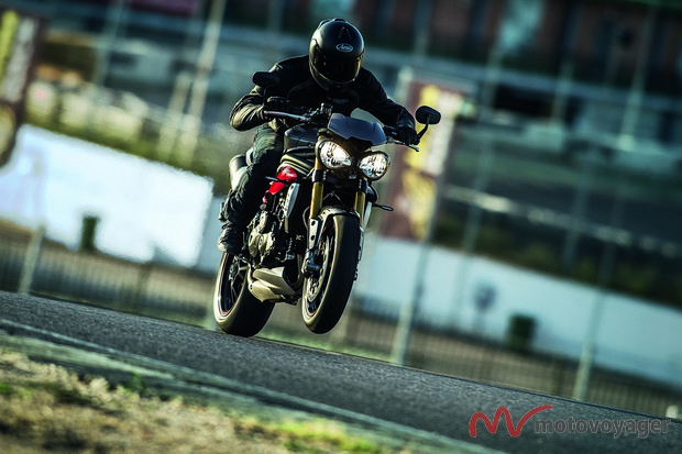 Triumph Speed Triple 2016(4)