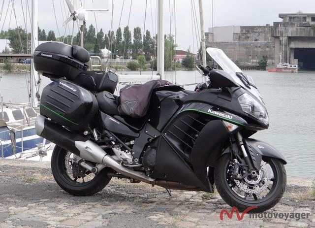 Kawasaki GTR1400 2016 (4)