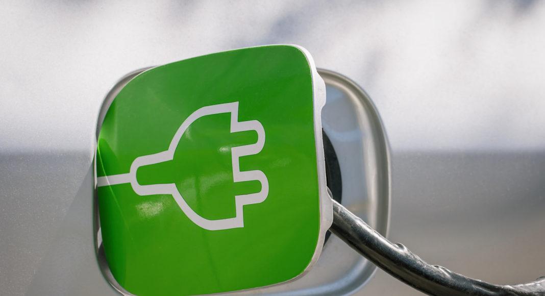 posnania   samochody elektryczne–gdzie i jak dlugo je ladowac cm