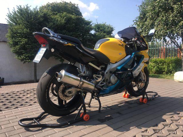 Honda CBR 600 F4 Pc35