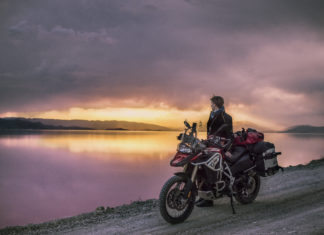 Zofia Radzikowska zachód słońca przygoda BMW F  scaled