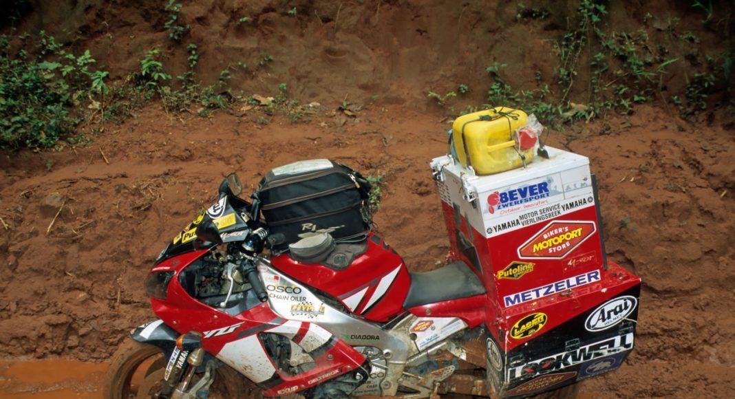yamaha r kufry kongo dookoła świata kongo na motocyklu sjaak lucassen r rn offroad błoto przeprawa rzekę