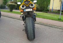 yamaha r1 wydech policja kontrola droga podgięta tablica ścigacz mandat
