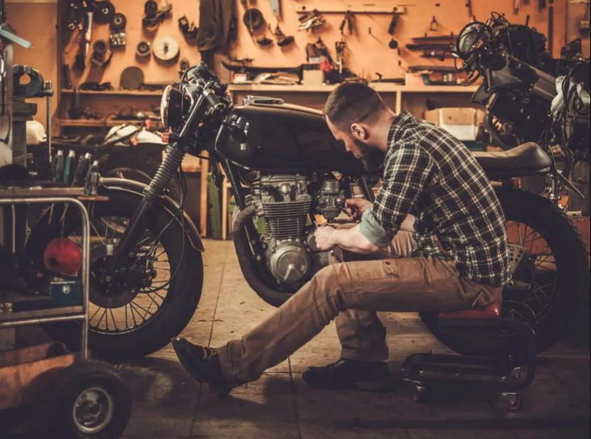 garaż motocykl serwis zima naprawa gaźniki lagi klimat